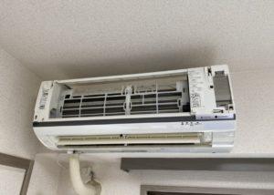 エアコン 分解 クリーニング
